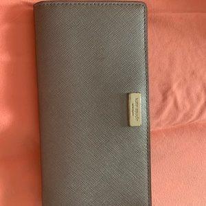 Kate Spade button wallet